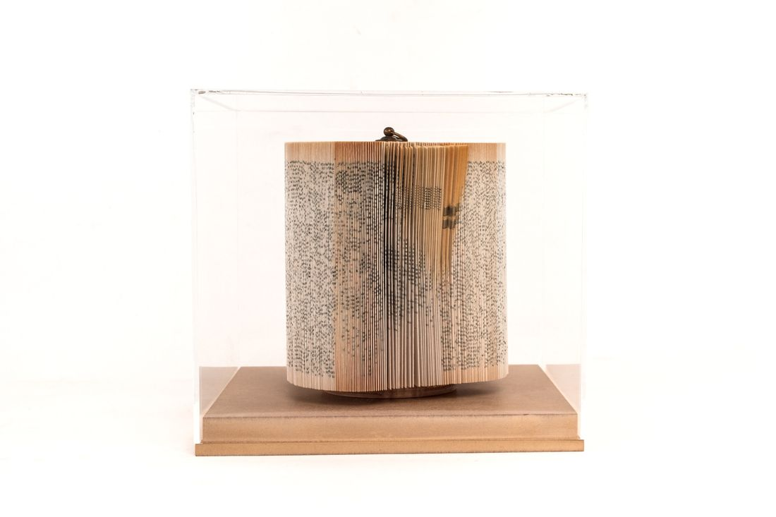 crizu_folded _paper_sculpture_design_hand_made_italy_theca_log