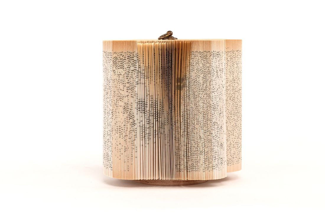 crizu_folded _paper_sculpture_design_hand_made_italy_log_4