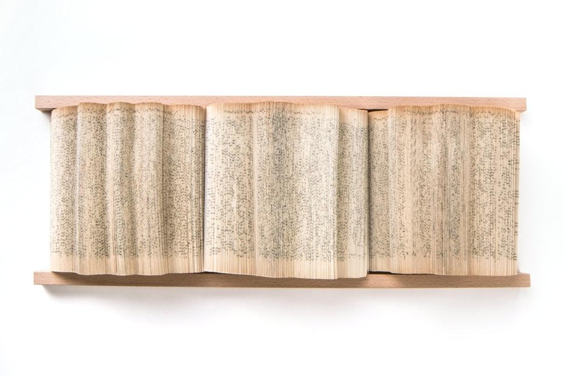 crizu_folded_books_paper_italy_design_wallpiece_rail__6